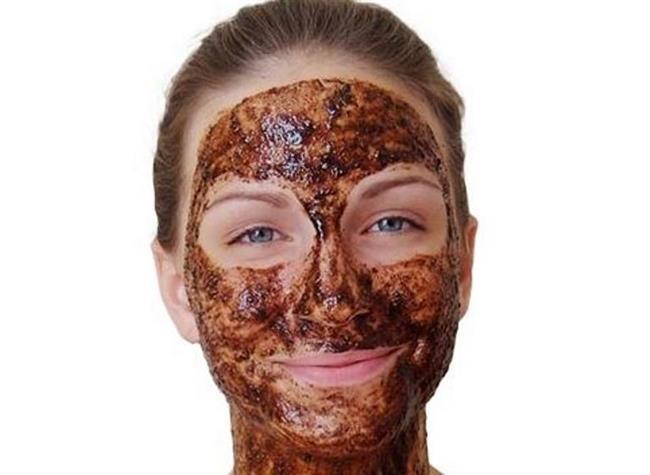 Zeytinyağıyla karıştıracağınız kahveyi yüz maskesi olarak uygulayabilirsiniz.