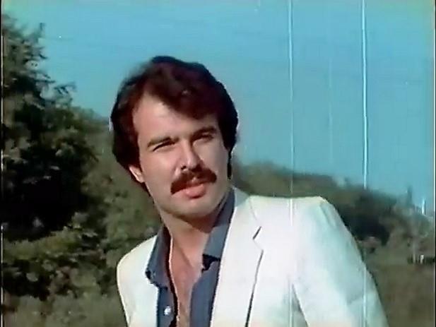 Yeşilçam oyuncularından Mahmut Hekimoğlu 10 Eylül günü yaşamını yitirdi.