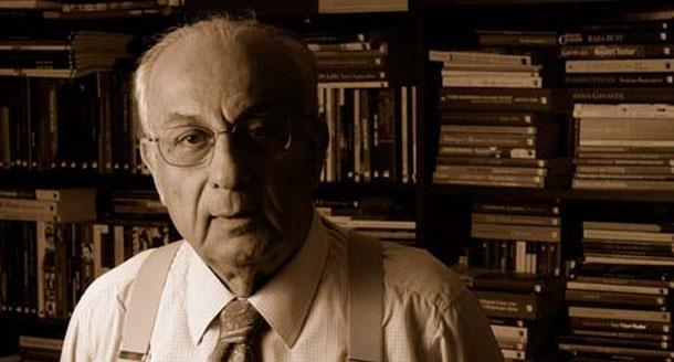 Gazeteci Hakkı Devrim, 87 yaşında hayatını kaybetti.