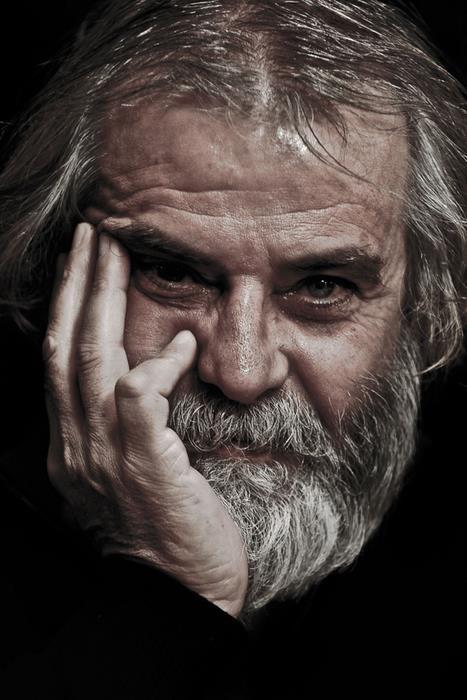 Sanatçı Tarık Akan, İstanbul'da tedavi gördüğü özel bir hastanede hayatını kaybetti.