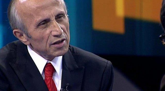 İlahiyat Profesörü Yaşar Nuri Öztürk evinde hayatını kaybetti. Uzun süredir kanser tedavisi görüyordu.