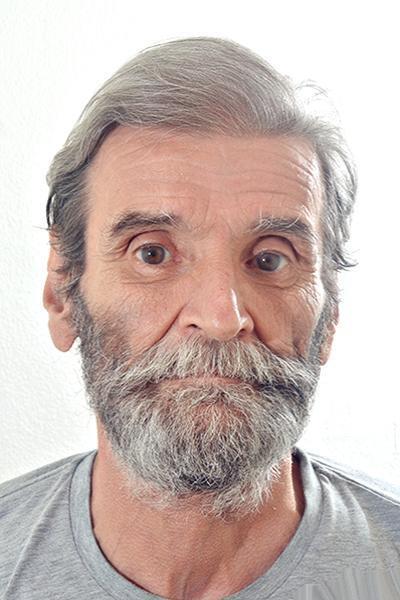Tiyatro oyuncusu Nezih Tuncay 71 yaşında hayatını kaybetti.