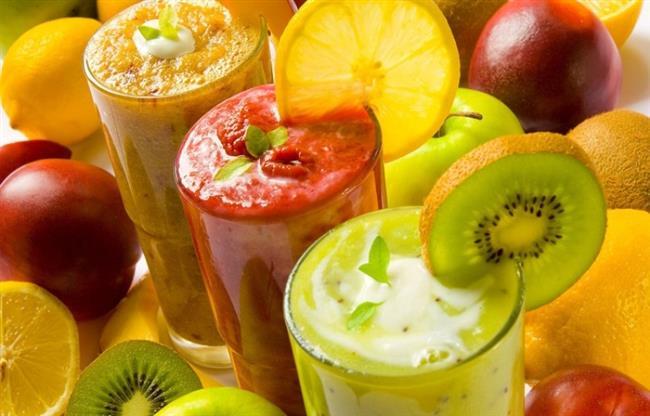 """C Vitamini Gibi Zengin Besinler Yiyin  Öksürük üst solunum enfeksiyonuna bağlı gelişmişse, greyfurt, mandalina, portakal ve limon gibi turunçgillerin yanı sıra kara lahana, ahududu, domates, ıspanak, taze fasulye, bezelye ve soğan gibi C vitamininden zengin sebze ve meyve tüketin. Bunlar antioksidan etkisiyle hastalığın vücuttan atılma sürecini hızlandırır.  <a href=  http://mahmure.hurriyet.com.tr/foto/saglik/bas-agrisini-geciren-9-besin_41194  style=""""color:red; font:bold 11pt arial; text-decoration:none;""""  target=""""_blank"""">Baş Ağrısını Geçiren 9 Besin"""