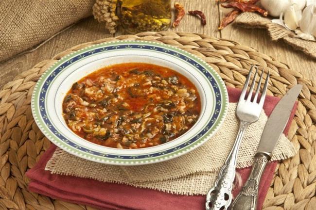 CUMA  Öğle: 2 adet muz Akşam: Kıymalı semizotu, 1 ayran ve 1 dilim kepek ekmeği