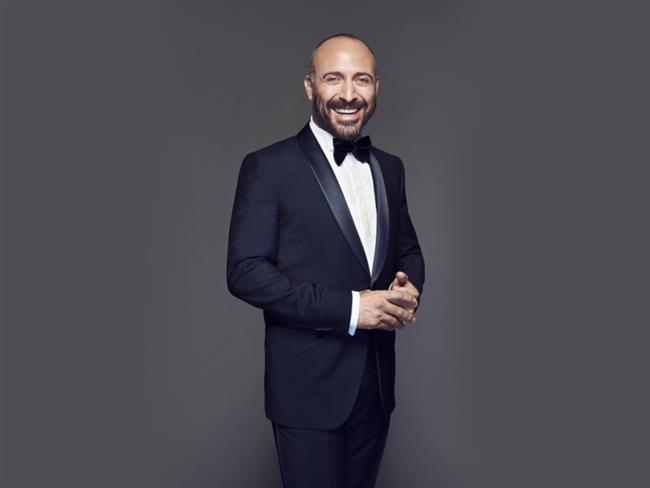 Halit Ergenç  30 Nisan 1970'te İstanbul'da doğdu.