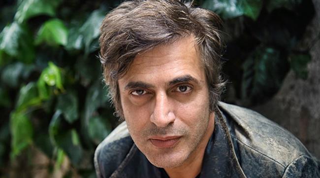 Teoman   20 Kasım 1967'de Giresun'da doğdu.
