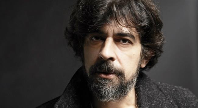 Okan Bayülgen  23 Mart 1964'te İstanbul'da doğdu.