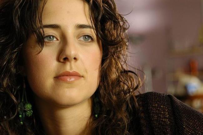 Melis Birkan  30 Kasım 1981'de Eskişehir'de doğdu.