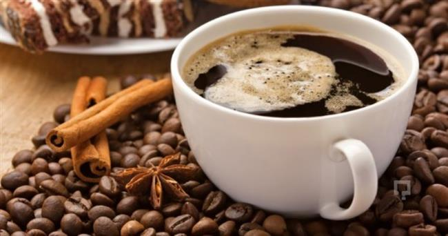 Terazinin En Sevdiği: Americano   Sadelik en yüksek gelişmişlik düzeyidir diye yola çıkan ve Leonardo Da Vinci'nin yolunda ilerleyen terazilerin kahvesi de sade olur. Koyu bir americano, Terazi'nin hızlı düşünen zihnini sakinleştirmeye yeter. Onlar için kahvenin içinde değil, yanında bir şey vardır.