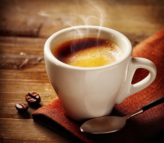 Yayın En İyi İçtiği: Espresso   Ruhları İtalyan, özgür ve arayış içinde olan yayların hayatlarında belki de en sabit kaldığı konu kahvesidir. Sert bir kahve her zaman daha iyidir onlar için. Temel olmalıdır ki üstüne bir şeyler kurabilsinler. Bu yüzden temelde espresso vardır.