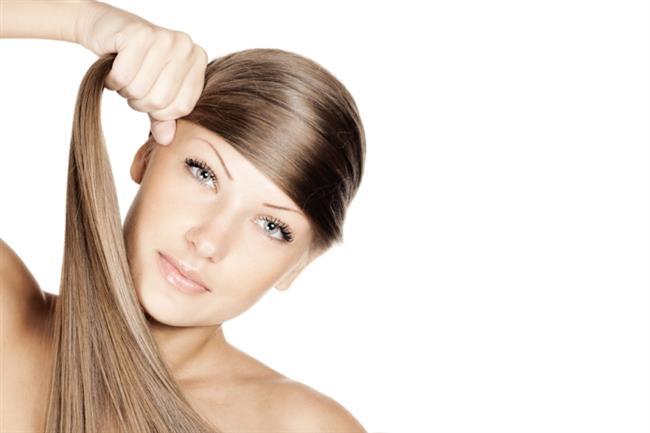 5- Çok Sıkı Topuz Ve Atkuyruğu Yapmak   Çok sıkı bağlanmış atkuyrukları ve topuzlar saçlarınıza zarar verir. Saçlarınızı salık bırakarak hem daha güzel hem daha sağlıklı sonuçlar elde edebilirsiniz.