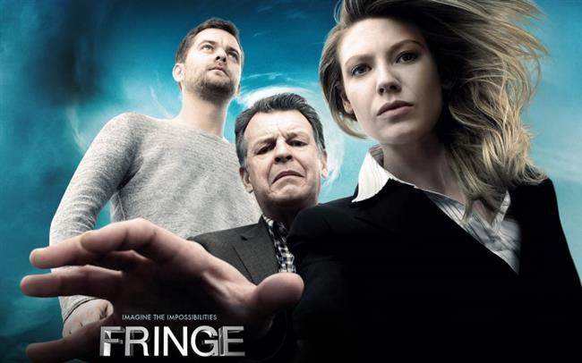 Fringe  FBI dünya çapında açıklanamayan olayları aydınlatmak için Boston, Massachusetts merkezli Fringe adında bir ekip kurmuştur. Bu açıklanamayan esrarengiz olaylara örnek vermek gerekirse yeni doğan bir bebeğin inanılmaz derecede hızlı büyüyerek (5 dakika gibi bir sürede) yaşlanarak ölmesi verilebilir. FBI'da özel ajan olarak görev alan Olivia Dunham, metafizik üzerine araştırmalarda bulunan bilim adamı Walter Bishop ve bilim adamının oğlu Peter Bishop'ın esrarengiz olayları araştırması konu edilen dizinin yapımcıları diziyi The X-Files'dan ilham alarak tasarladıklarını ancak çok farklı bir tarza döndüğünü belirtmiştir. Fringe dizisinde esrarengiz olaylar, hastalıklar, paralel evren gibi bir çok konu işlenmektedir.