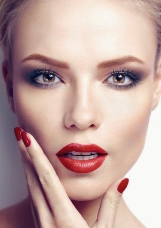 Tutkunun ve aşkın ortak noktası olan kırmızı rujla görünümünüze güzellik ve seksilik katarak tüm dikkatleri daima üzerinizde toplayabilirsiniz.