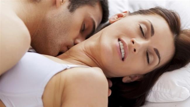 13) HANGİSİ SİZİ DAHA ÇOK HEYECANLANDIRIR?  a.Ateşli bir öpücük. b.Vücudunuzda gezinen dudakları. c.Sizin onun vücudunda gezinen dudaklarınız. d.Her şeyin kuralına uygun yapıldığı seks.