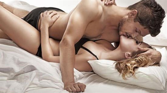 D'ler Çoğunluktaysa: DOYUMSUZSUNUZ  Seks ilişkilerinizi ya tamamen beklentilerinizi sıfırlayarak ya da tam tersi fırtınaya doğru sürüklenerek yaşıyorsunuz. Dolayısıyla seks açısından blumia yaşadığınız söylenebilir. Yine de her iki durumda da gerek meraklı yapınızdan gerekse de temel içgüdülerinizin yönlendirmesi sonucu sekssiz yaşamanız mümkün değil.  Siz seks için seks yapanlardansınız!  AŞK TARZINIZ: Tüketici...  Atılgan, dobra ve aşırı tutkulu olabiliyorsunuz fakat bu duygulardan korktuğunuz gerçeğini de değiştirmiyor.  ERKEĞİNİZ: Seks oyuncağı...  Aslında sizin varlığınız olmadan hiçbir şey yapamayacak koca bir bebek arıyorsunuz kendinize. Ancak bu bebeğin ne sesi yükselecek ne de herhangi bir söz hakkı bulunacak!