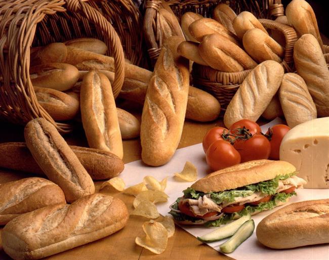 Unlu mamüller, yağlı yiyecekler, şekerlemeler vb kalori bakımından zengin yiyeceklerden uzak durulmalıdır.