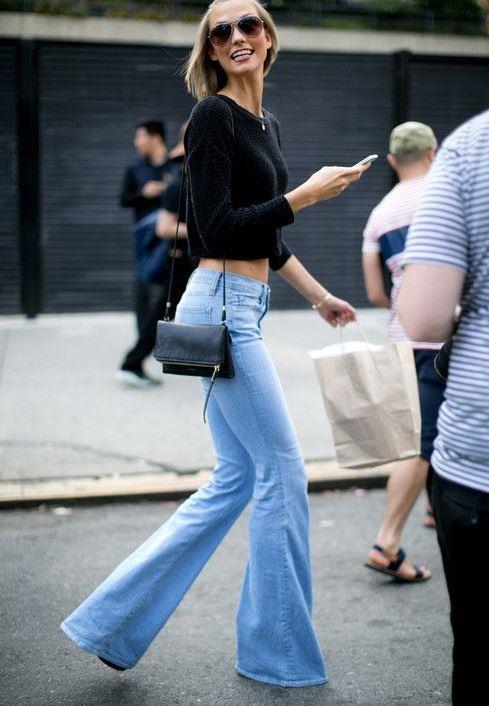 Pantolon seçiminde dikkatli olun  Pantolon yanlış seçildiğinde vücudunuzu en kötü gösterecek kıyafetlerden biridir. Örneğin göbekli biriyseniz düşük bel pantolonlar, geniş kalçalara sahip biriyseniz de streç pantolonlar vücudunuzu daha kötü gösterecektir.