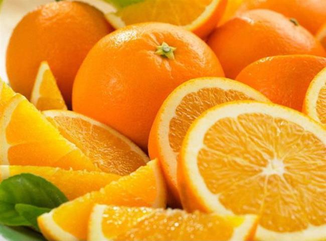 Portakal suyu yerine portakal  A vitamininin ön maddesi olan beta karoteni ve C vitaminini içeren portakal, bu vitaminler sayesinde bağışıklık sistemini güçlendirerek, gribal enfeksiyonlara karşı kalkan oluşturuyor. Yüksek lifli yapısıyla uzun süre tok kalmayı sağlıyor. Diyet yapan kişilerin portakal suyu tüketiminden ziyade portakalı yemeleri, lifinden de yararlanmalarını sağlayarak tokluk sürelerini uzatıyor. Ayrıca 1 bardak portakal suyu, 2-3 portakaldan oluştuğu için de fazla kalori alınmasına neden oluyor.