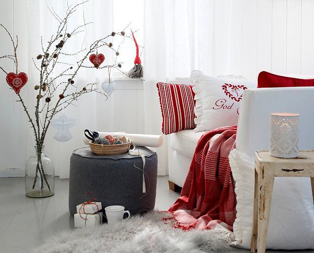 Kırmızı kullanımı odaları canlandırmak için küçük ama nefis bir yöntem olabilir. Parlak, yakıcı ve dramatik kırmızı; farklı tonlarda kullanıldığında her sezon şık durur.
