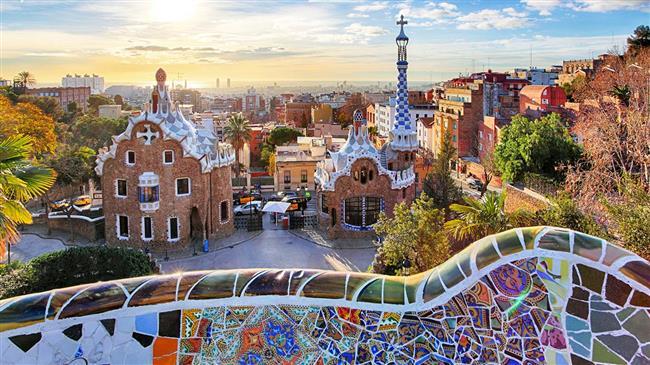 Müzisyen çift balayını da evlendikleri şehir olan Barselona' da geçirdi.