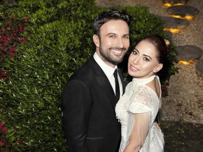 Evlenerek herkesi hayrete uğratan Tarkan ve eşi Dilek Pınar'ın  düğün merasimi Almanya' da gerçekleşti.