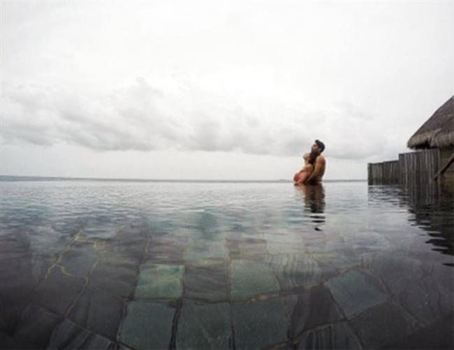 Balayını ise Maldivler' de geçiren çift, sosyal medya paylaşımlarıyla çok konuşuldu.