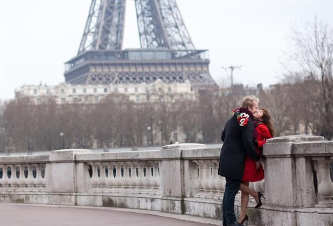 Paris  Aşıklar şehri Paris  kış aylarında da romantik bir balayı geçirmek isteyenlerin ilk duraklarından oluyor.