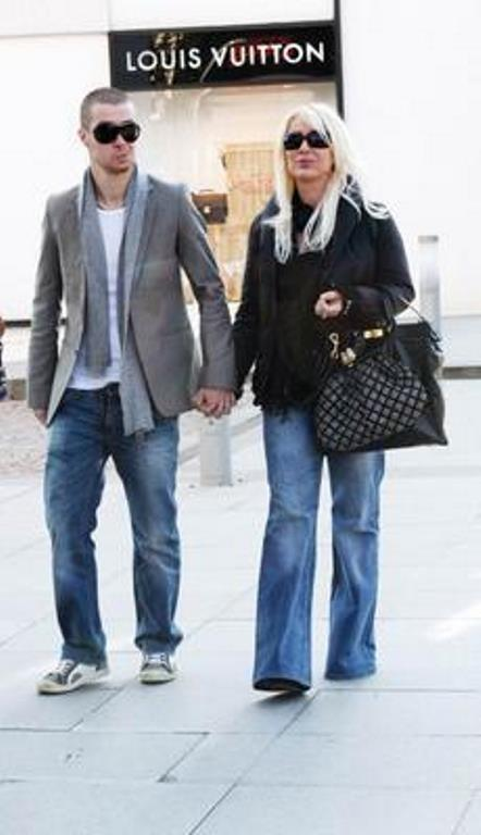 Çift, beş yıllık evliliğin ardından 1995 yılında boşandı.
