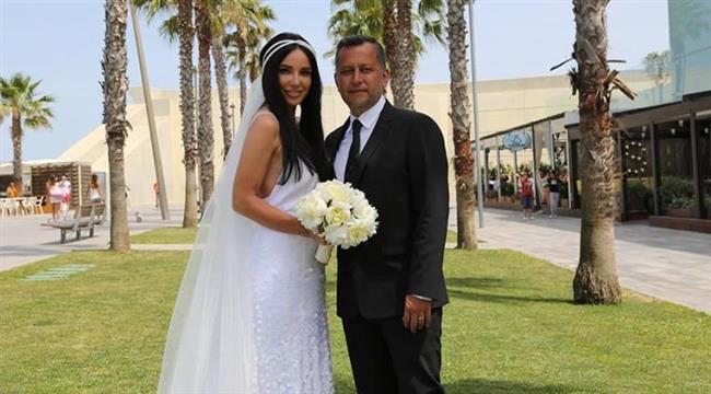Gülşen  Şarkıcı Gülşen, Ozan Çolakoğlu ile evlendiğinde ilk bebeğine hamileydi.