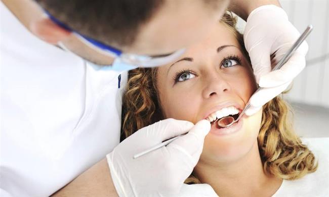 Genel anlamda faydalı olan bu plaklar bazı kişilerde tedavi sürecinde yeterli olmadığı saptanmıştır. Bu sebeple kişinin rahatsızlığının seviyesine göre ek olarak kas gevşeticiler, psikolojik terapi yöntemi, eksik dişlerin yerine protez tedavisi uygulanabilir aynı zamanda hatalı yapılmış dolgu ve kaplama varsa bunlarda yenilenebilir.