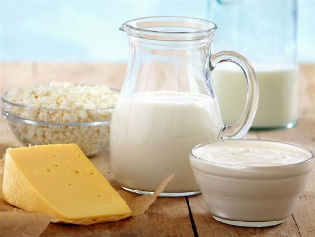 Az yağlı peynir,süt,yoğurt  Tam yağlı süt, peynir ve yoğurt tüketmek yerine az yağlı, yarım yağlı olarak ifade edilenleri tüketmeniz faydalı. Üstelik protein açısından zengin olduklarından dolayı iştahı baskılamakta yardımcı olurken, uzun süre tok tutuyorlar.