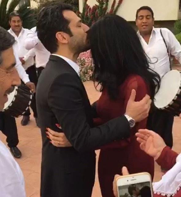Cumhurbaşkanı Erdoğan, ünlü oyuncu Murat Yıldırım ve Faslı sevgilisi Imane Elbani ile Ankara Esenboğa Havalimanı'nda bir araya geldi.