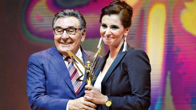 Yılın Medya Olayı Özel Ödülü    15 Temmuz gecesi Cumhurbaşkanı Recep Tayyip Erdoğan'la Facetime üzerinden görüşerek darbe girişiminin gidişatını değiştiren CNN Türk ve Kanal D Ankara Temsilcisi Hande Fırat'a 'yılın medya olayı özel ödülü' verildi. Fırat, ödülünü Doğan Holding Onursal Başkanı Aydın Doğan'ın elinden aldı.