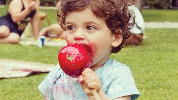 Şeker Çocukları Küçük Canavara Dönüştürür   Şeker yiyen çocukların kontrol edilemeyecek kadar enerjik olduğuna inanılır. Aksine aşırı şeker çocuklarda hantallığa bile neden olabilir.