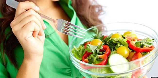 Akrepler beslenme konusunda son derece yanlış davranırlar. Hızlı ve kısa sürede yedikleri için, hızlı yemek bünyelerini yorar.