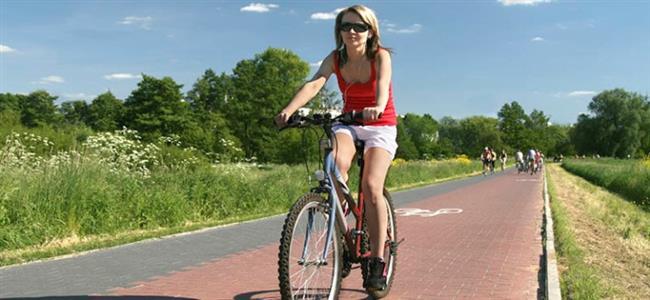 Hafif bir bisiklet gezintisi =  1 saatte 364 kalori