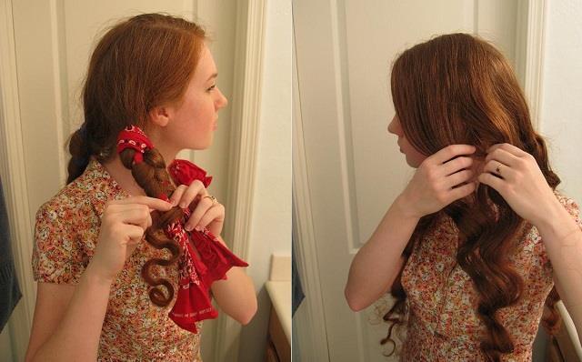 2. Bandana İle Dalgalı Saçlar  Bu yöntem ile saçlarınızı hiç bir şekilde yıpratmadan, hoş ve doğal dalgalar elde edebilirsiniz.  Nasıl Yapılır?  Öncelikle nemli saçlarınızı tarayın ve birkaç tutama ayırın.