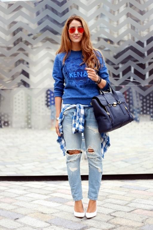 Sokak stilinin en vazgeçilmez parçalarının favori rengi olan azur mavisine dolaplarınızda yer açmayı unutmayın.  Kaynak:Kadın ve kadın