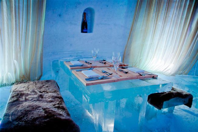 """4. Sorrisniva Igloo Hotel, Alta, Norveç  Sorrisniva Igloo Hotel'de sizi sıcak tutmak için termal uyku tulumları ve tam teşeküllü bir sauna hizmetinizde . Otel ayrıca kar arabasıyla safari, Eskimo köpeklerilerinin (Husky) çektiği kızaklarla yapacağınız kızak turları ve Kuzey Işıkları'nı görebileceğiniz geziler düzenliyor.  <a href=http://mahmure.hurriyet.com.tr/foto/yasam/2017de-gormeniz-gereken-yerler_41106     style=""""color:red; font:bold 11pt arial; text-decoration:none;""""  target=""""_blank""""> İşte 2017'de Görmeniz Gereken Yerler!"""
