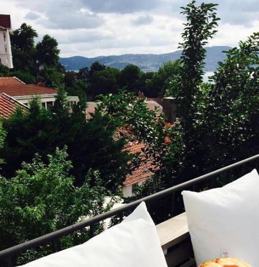 İşte ünlü popçu Murat Boz'un evinden İstanbul manzarası.