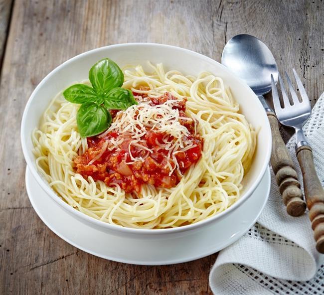 Çarşamba:  Bir çay fincanı büyüklüğünde yer tutan Spagetti ve bir meyve