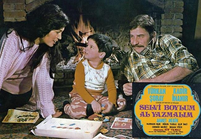 Aralarında Selvi Boylum Al Yazmalım'ın da bulunduğu bir çok filmde rol aldı Mekin.