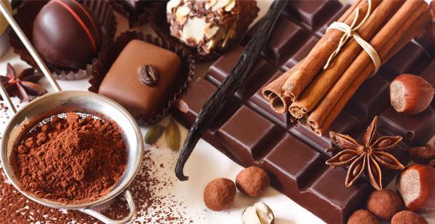 Çikolata Yiyin   Çikolatanın kokusu bile insanı baştan çıkartıyor. Çikolata, beyni rahatlatıp gevşetiyor, mutluluk veriyor.
