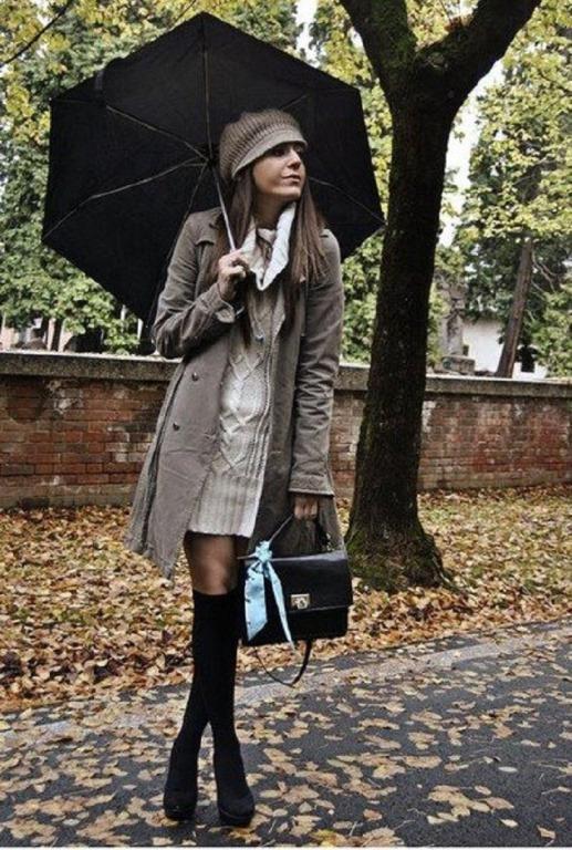 Dizinize kadar uzanan çoraplarla ve onlara eşlik eden kışlık mini elbisenizle göz kamaştırabilirsiniz.