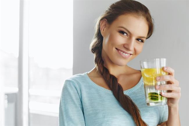 Portakal-Nane  • 2 litre su  • 1 adet portakal (küp küp dilimlenmiş)  • 8 yaprak taze nane    Elma-Tarçın-Karanfil  • 2 litre su  • 1 adet ince dilimlenmiş elma  • 1 adet kabuk tarçın  • 6 adet karanfil   Nar-Limon-Fesleğen  • 2 litre su  • Bir çay bardağı nar  • 1 adet limon  • 5 yaprak taze fesleğen