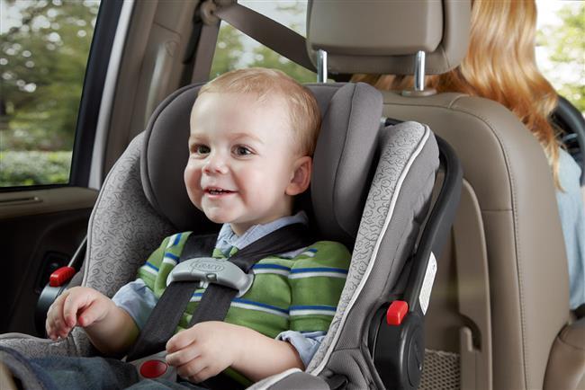 Çocuklar için araç koltukları ise 6-10 yıl arasında eskiyor. Plastiğin eskimesi ve içindeki malzemenin aşınması sebebiyle bu tip ürünler güvenliğini kaybedebiliyor. İkinci el satın alınması pek tavsiye edilmez.