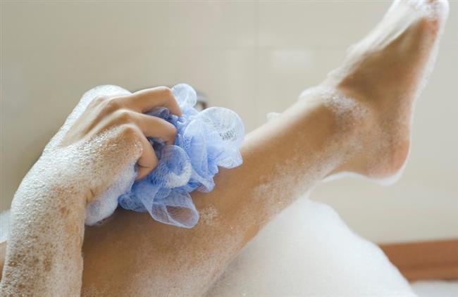 Banyo lifleri  6 aydan sonra değişmesi gerekir. Ancak banyo liflerinin süresini uzatmak istiyorsanız bu ürünleri düzenli bir şekilde suda kaynatın. Bakterileri bu şekilde öldürebilirsiniz.