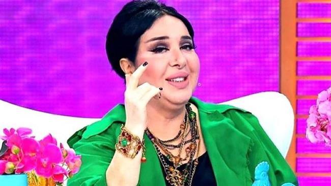 Nur Yerlitaş  Geçtiğimiz günlerde meme kanseri teşhisi konulan ve ameliyat olan Nur Yerlitaş kanseri yenen ünlülerden.