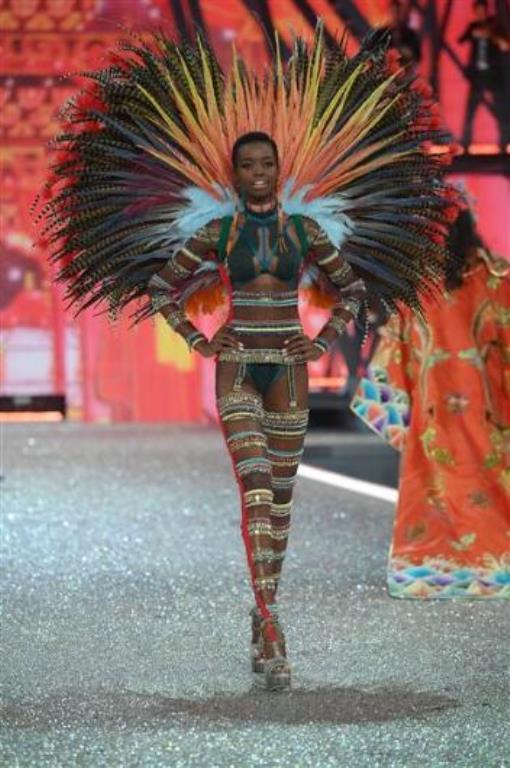 Maria Borges, Angola doğumlu. 24 yaşında ve 1.90 cm boyunda.