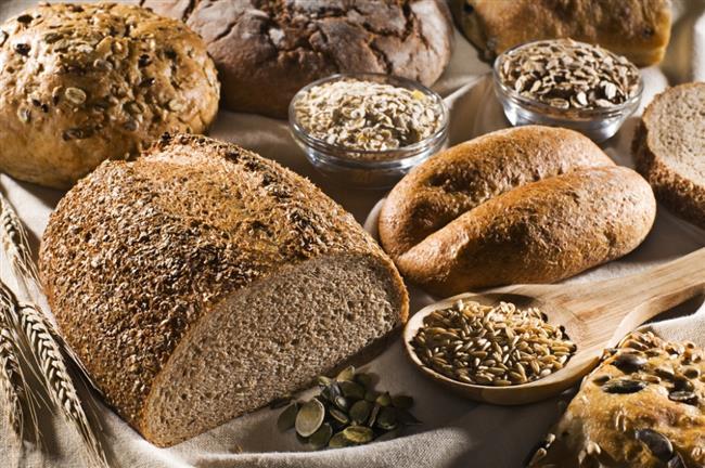 Tam Tahıllar  Buğday ve ruşeym gibi tam tahıllar demir, çinko ve selenyum gibi antioksidan minerallerden zengin olmaları nedeniyle bağışıklık sistemini güçlendiriyor. Bununla birlikte lif içeriğiyle ilgili yapılan çalışmalar, kolon kanserinden korunmak için tam tahılların tüketilmesi gerektiğini gösteriyor. Tahıl grubundan olan yulaf ise beta glukan içeriyor ve kanserli hücreler için doğal öldürücü etki gösteriyor Tam buğday, çavdar, yulaf gibi kan şekeri üzerinde olumlu etkileri olan tahıllar pankreasın sağlıklı çalışmasını sağladığından pankreas kanseri üzerine de koruyucu etki gösterebiliyor.